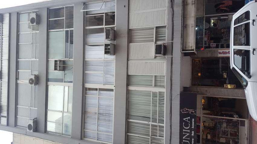 Oficina Centro !!! en Argentina Vende