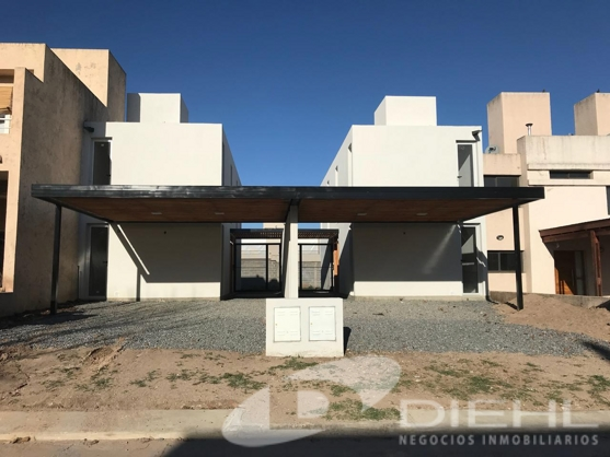 Duplex a estrenar en venta en La Catalina