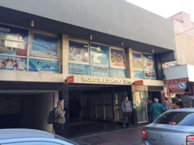 EXELENTES OFICINAS CENTRICAS en Argentina Vende