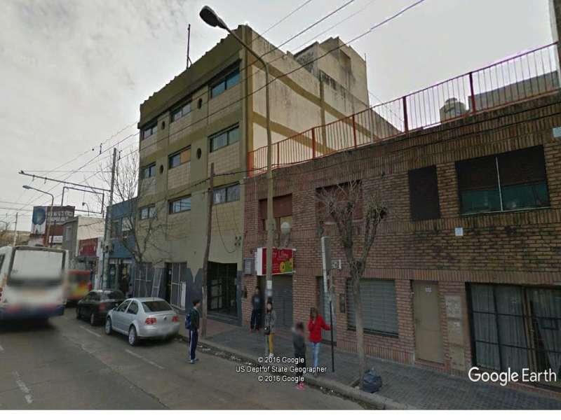 Edificio de 4 plantas en Av. Colon. en Argentina Vende
