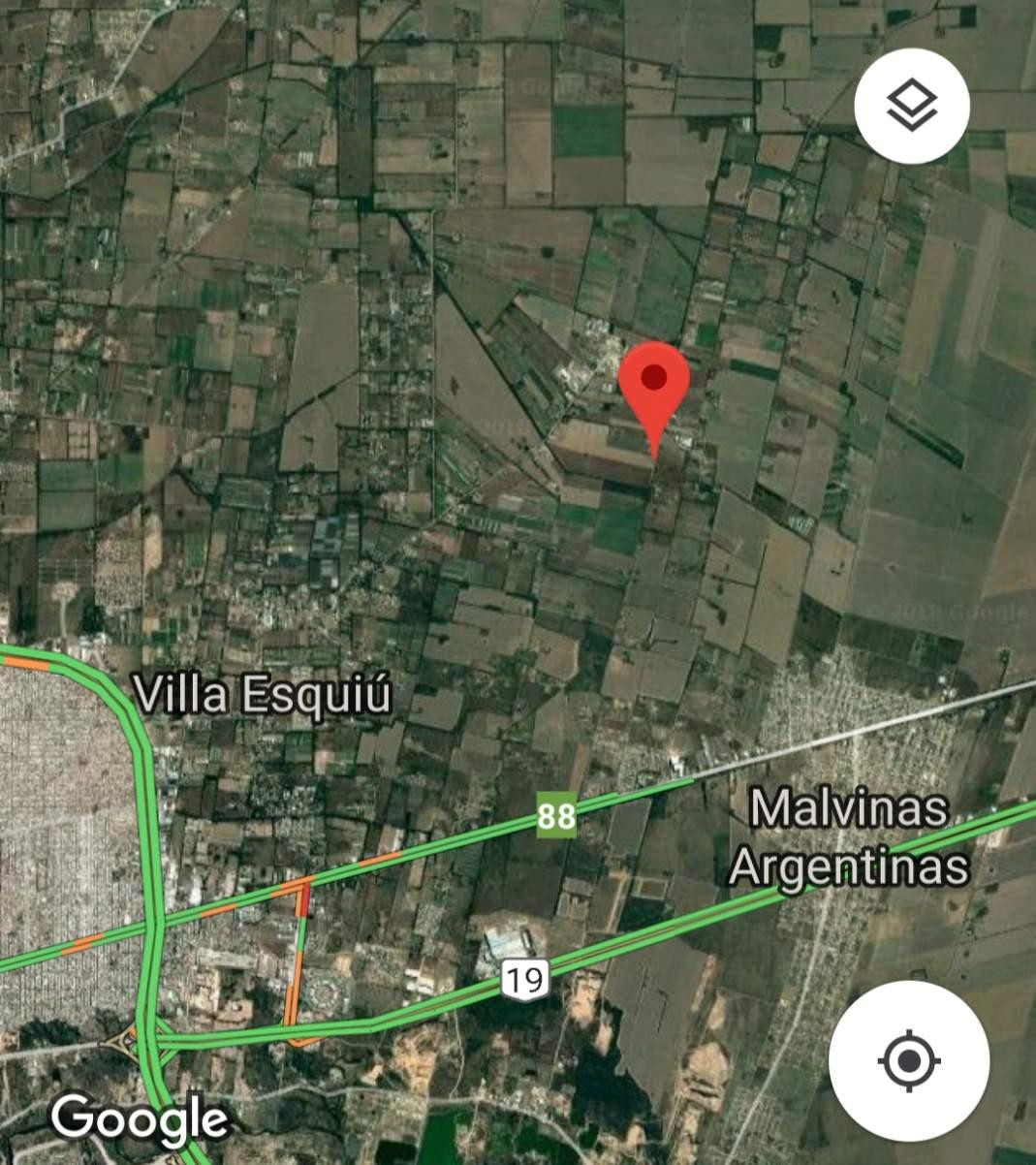 LOTE-Excelente fracción sobre calle de la comunidades esq Malvinas Argentinas en Argentina Vende