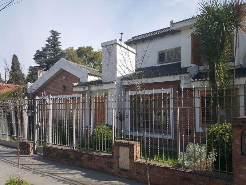 Casa de 4 dorm - Cerro de las Rosas